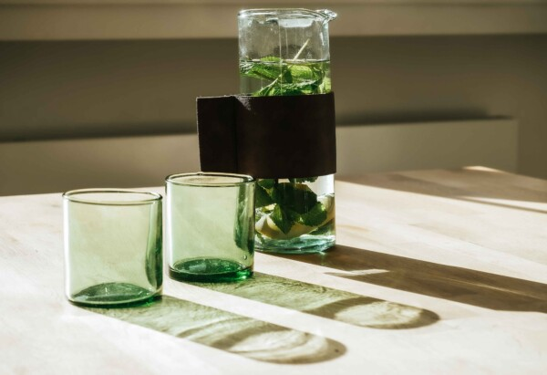 Dutch design Water jar and glasses by Jouelle Cuppen
